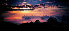 Sunrise on Yao Mountain, Guilin