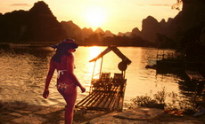 Guilin Landscape Photography Tour with Swimsuit Models